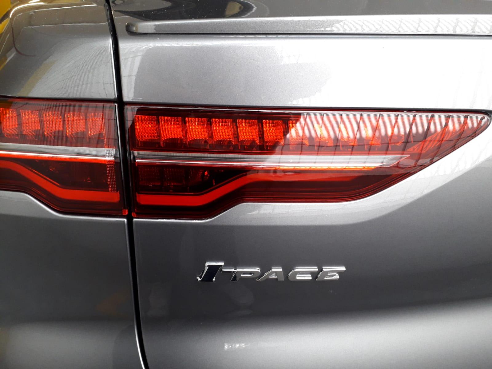 jaguar-i-pace-dettaglio-fari-posteriore