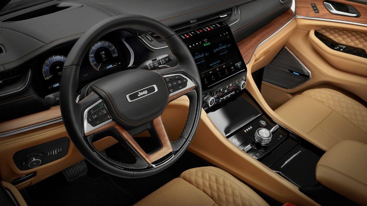 Jeep-Grand-Cherokee-L-interni-lusso
