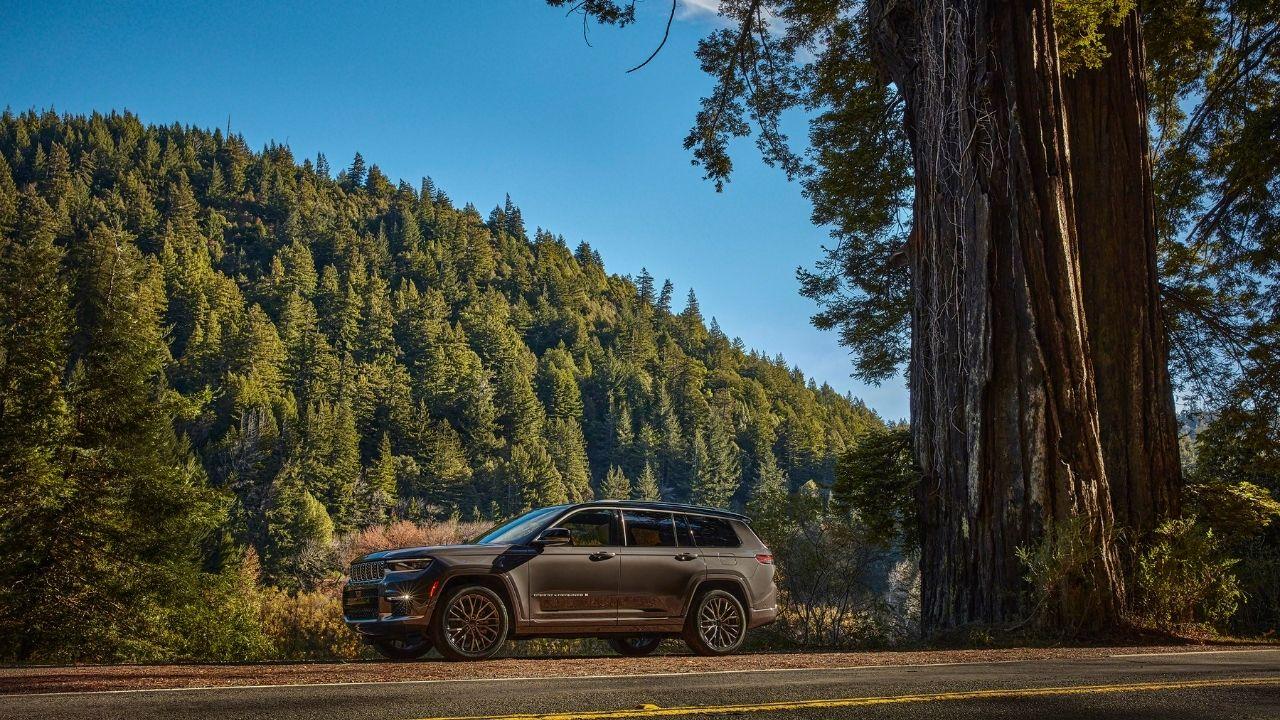Jeep-Grand-Cherokee-L-profilo-monti