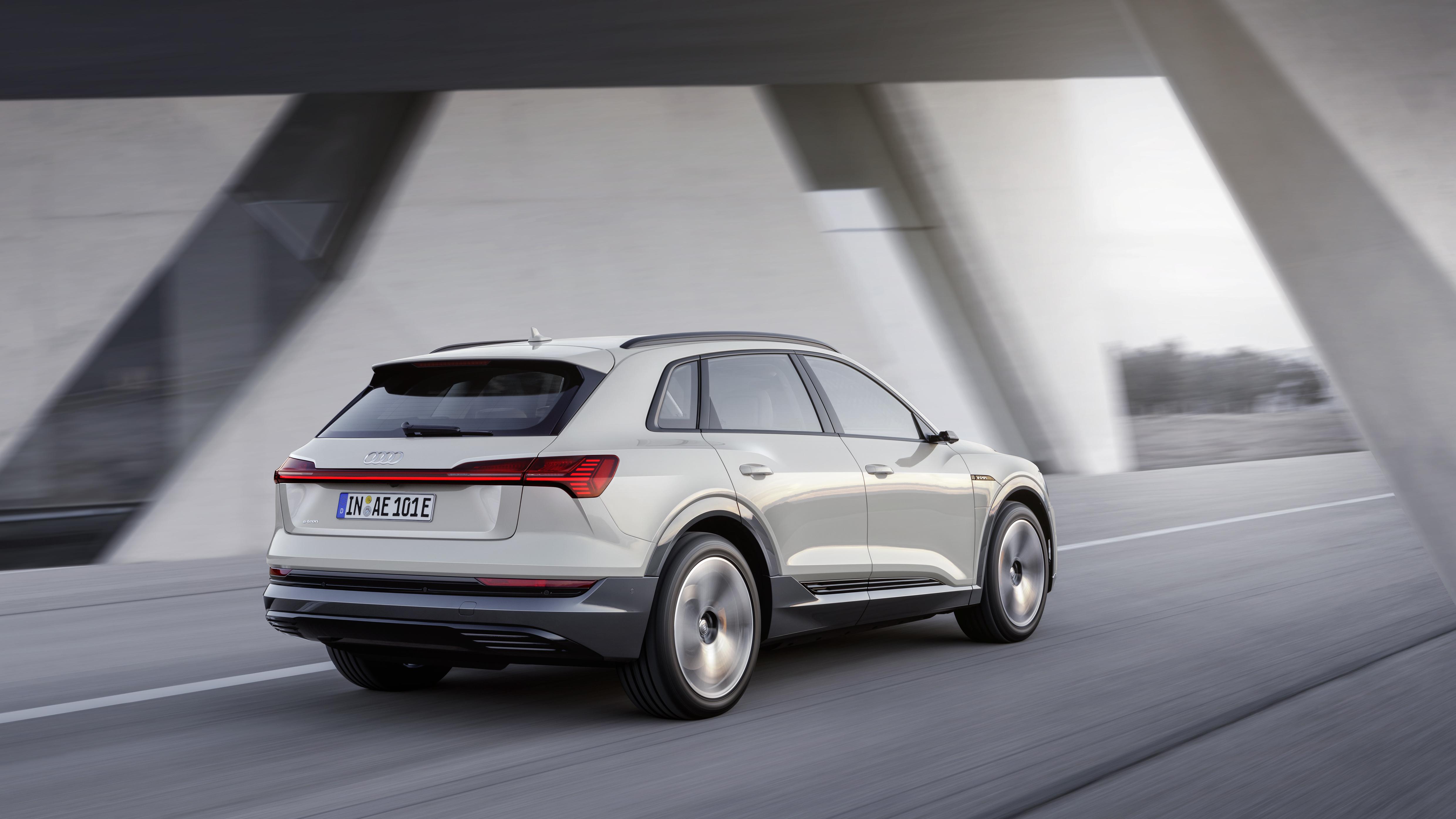 Retro Audi e-tron