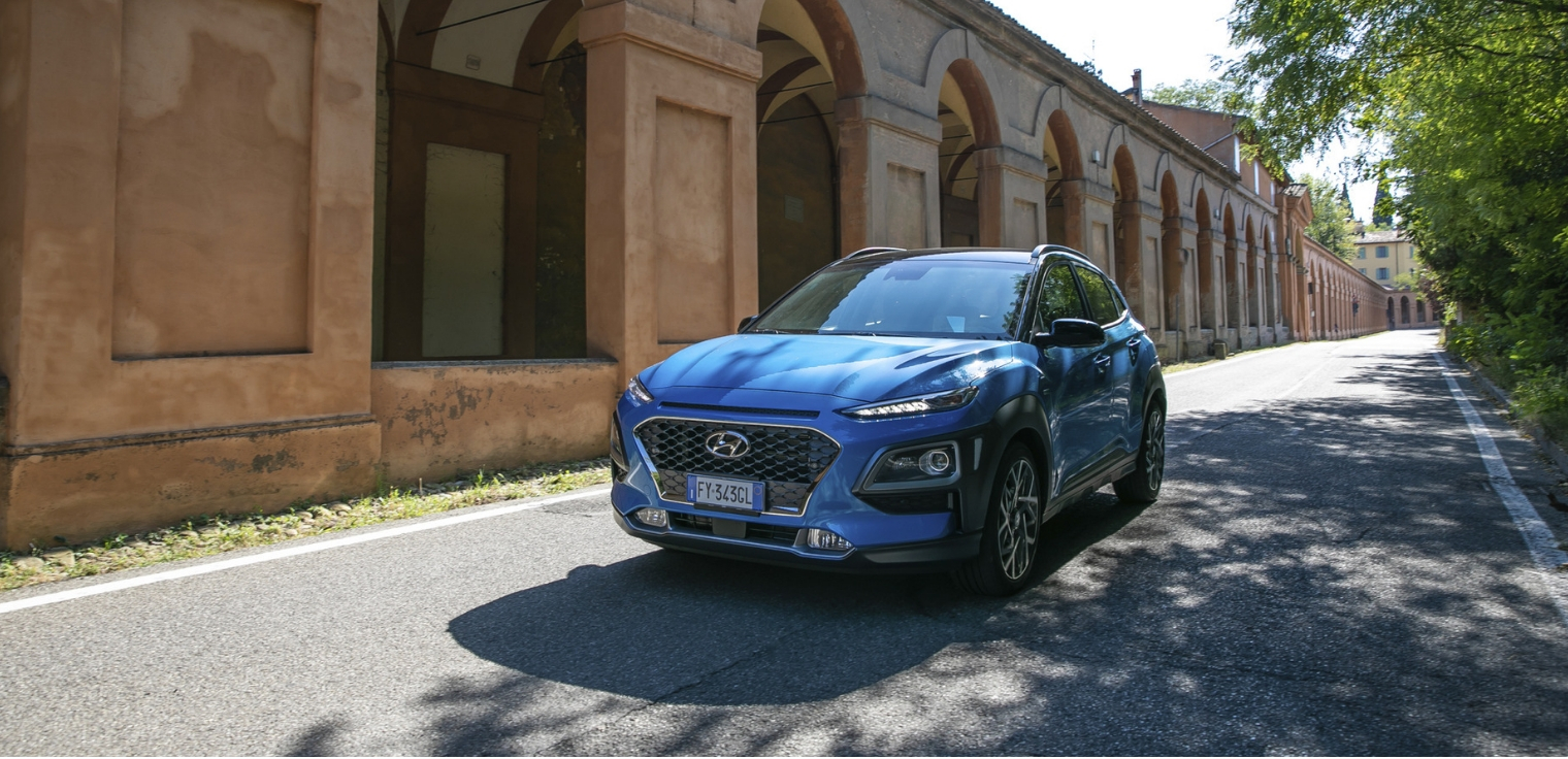 Nuova-Hyundai-Kona-Hybrid-2020-su-strada