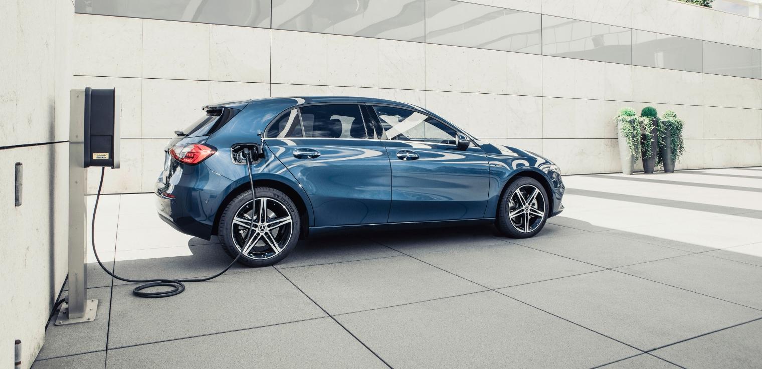 Nuova-Mercedes-Classe-A-250-e-EQ-Power-ibrida-plug-in-2020