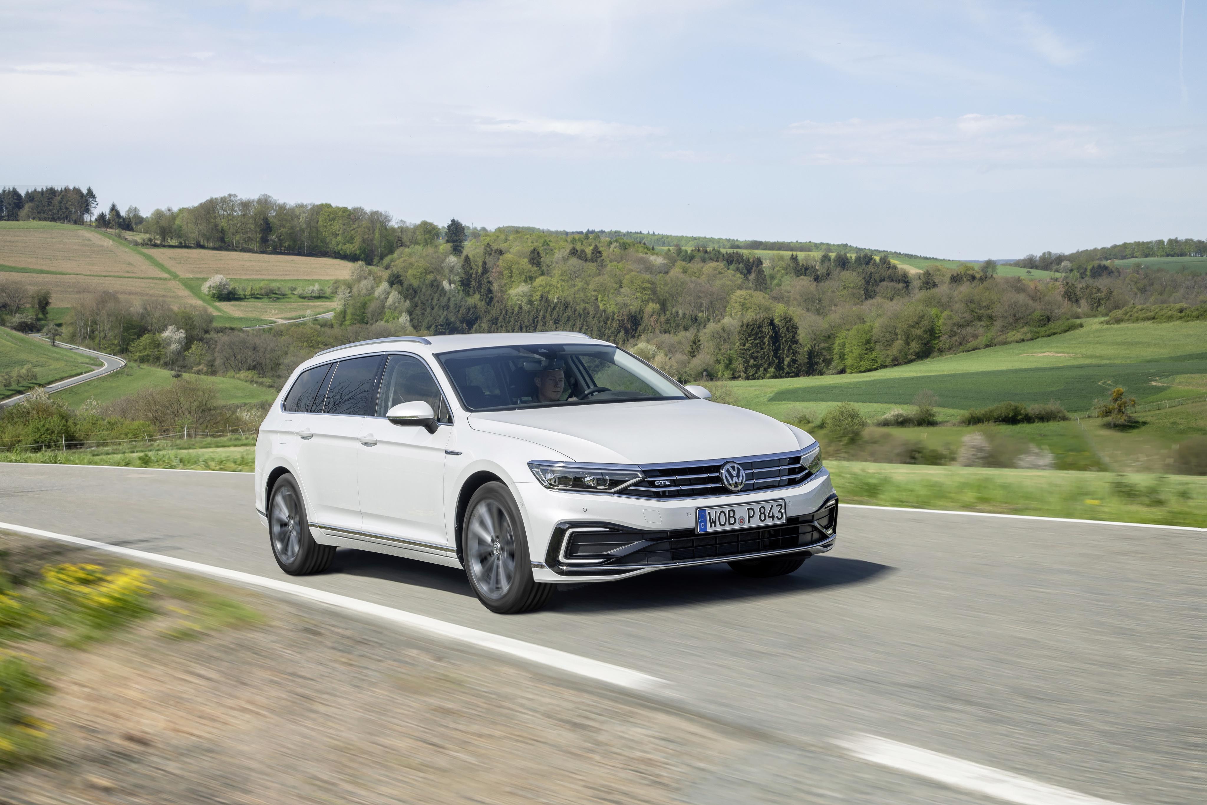 Nuova Volkswagen Passat GTE Variant