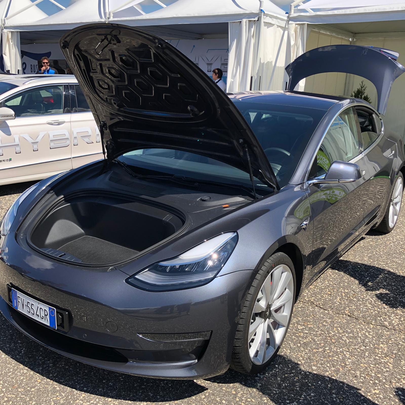 tesla-model-3-anteprima-fleet-motor-day-2019