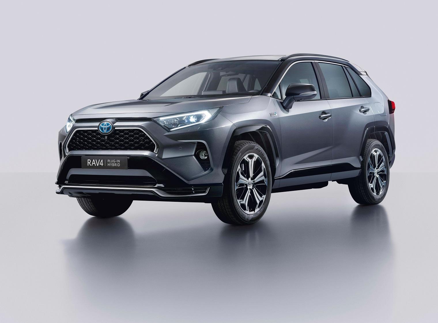 Nuovo-Toyota-Rav4-Plug-in-Hybrid-2021