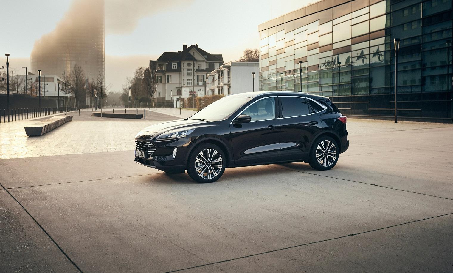 nuova-Ford-Kuga-full-hybrid-2021-esterni