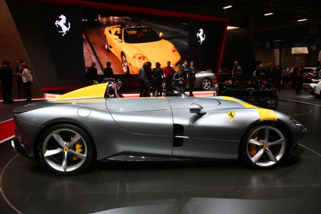Monoposto Ferrari Monza SP1 al Salone di Parigi 2018
