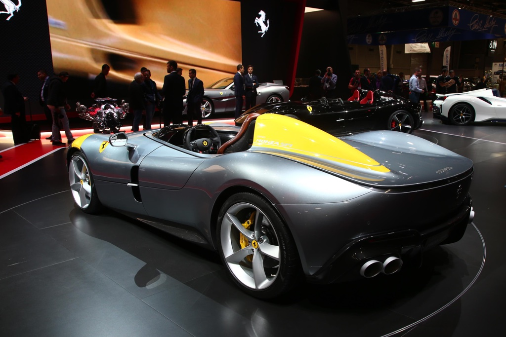 Motore di Ferrari Monza SP1 al Salone di Parigi 2018