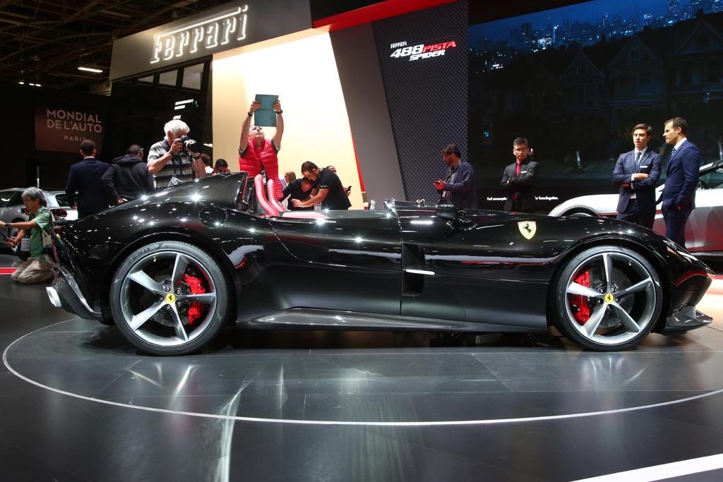 Biposto Ferrari Monza SP2 al Salone di Parigi 2018