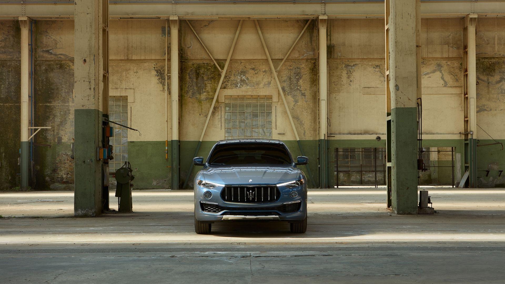 Maserati-Levante-Hybrid-anteriore-industrial