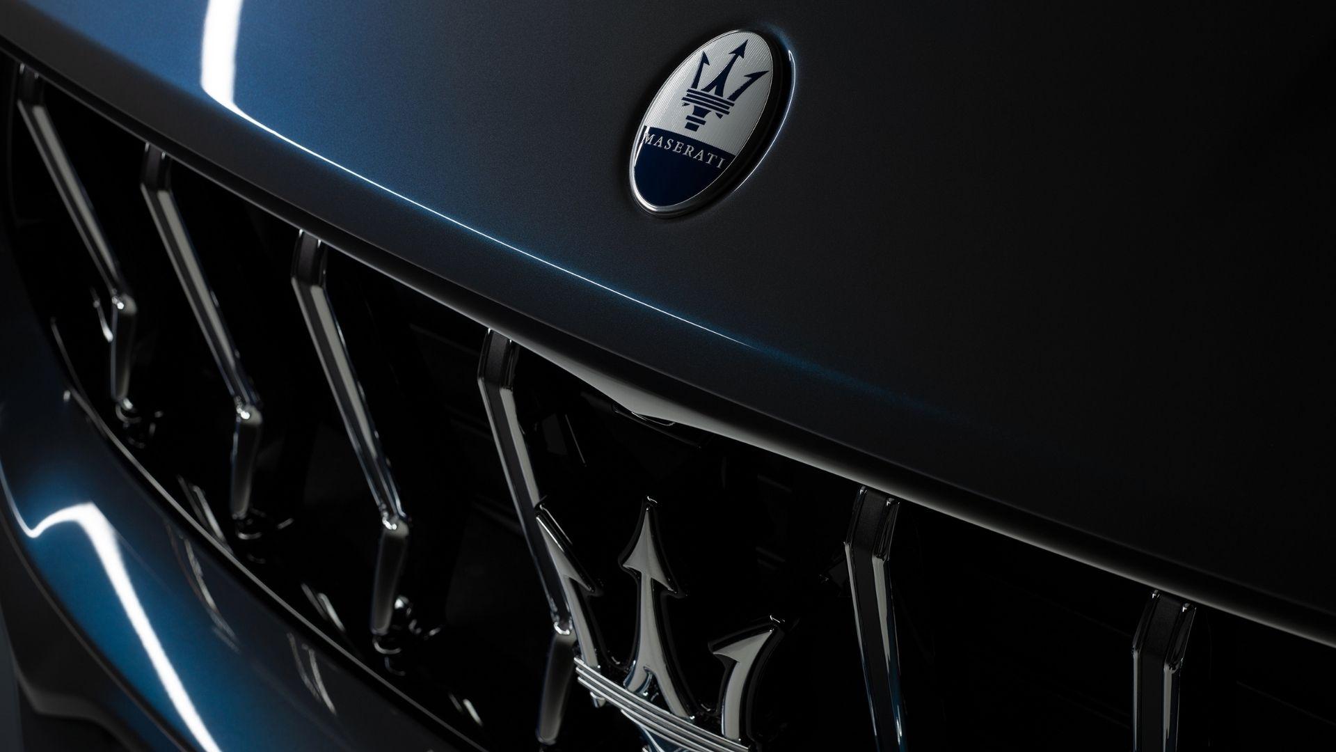 Maserati-Levante-Hybrid-dettaglio-logo