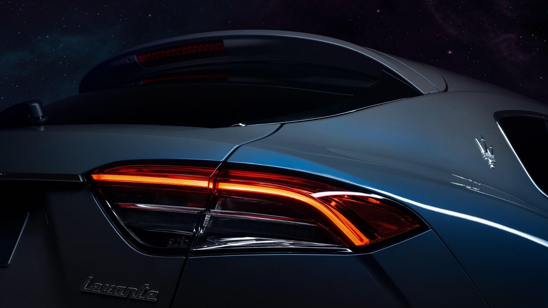 Maserati-Levante-Hybrid-dettaglio-luci-posteriori