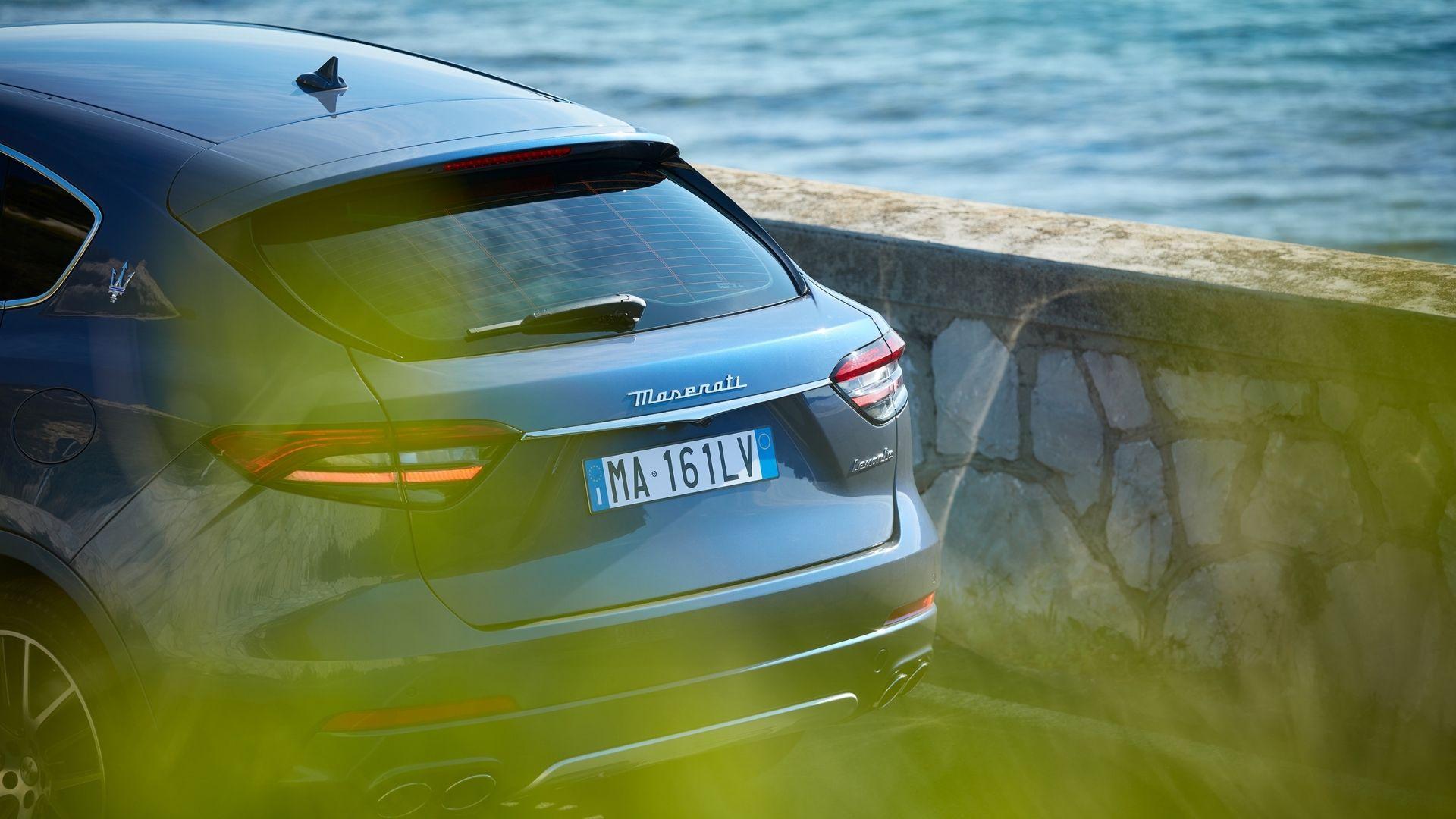 Maserati-Levante-Hybrid-posteriore