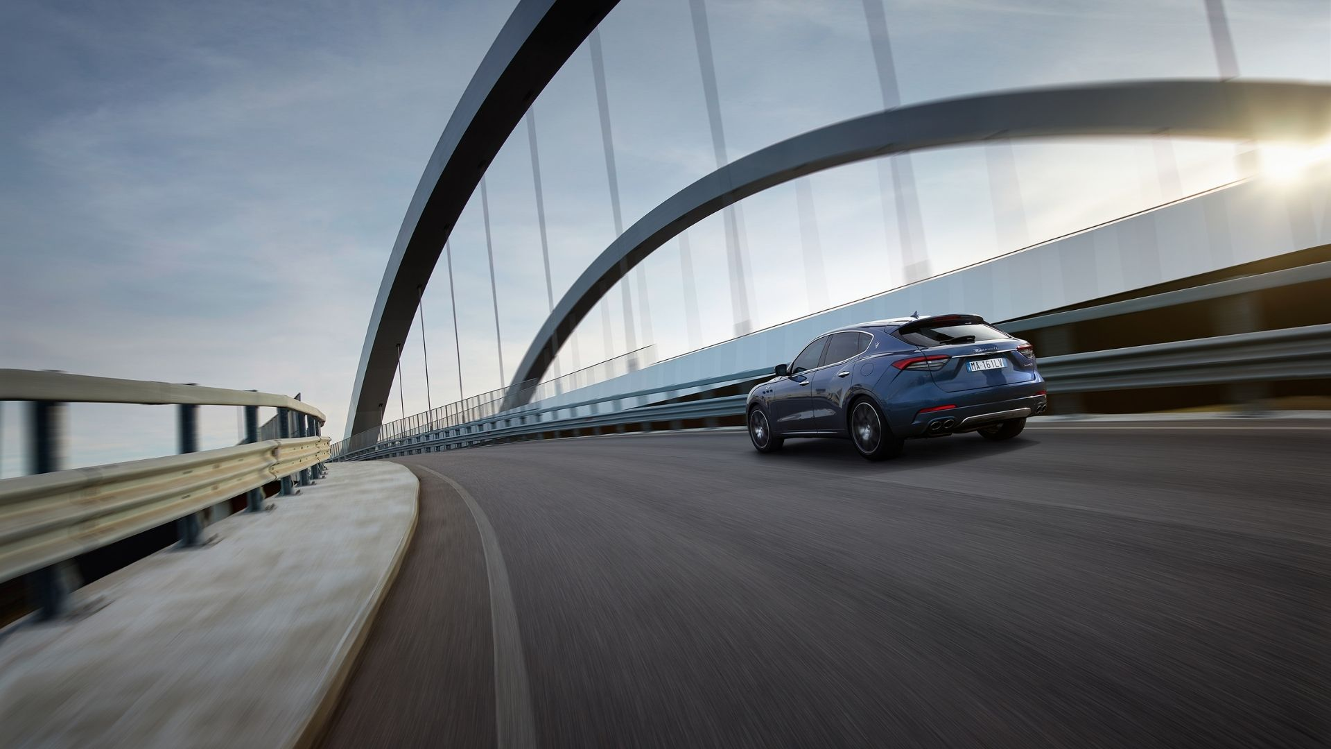 Maserati-Levante-ponte-