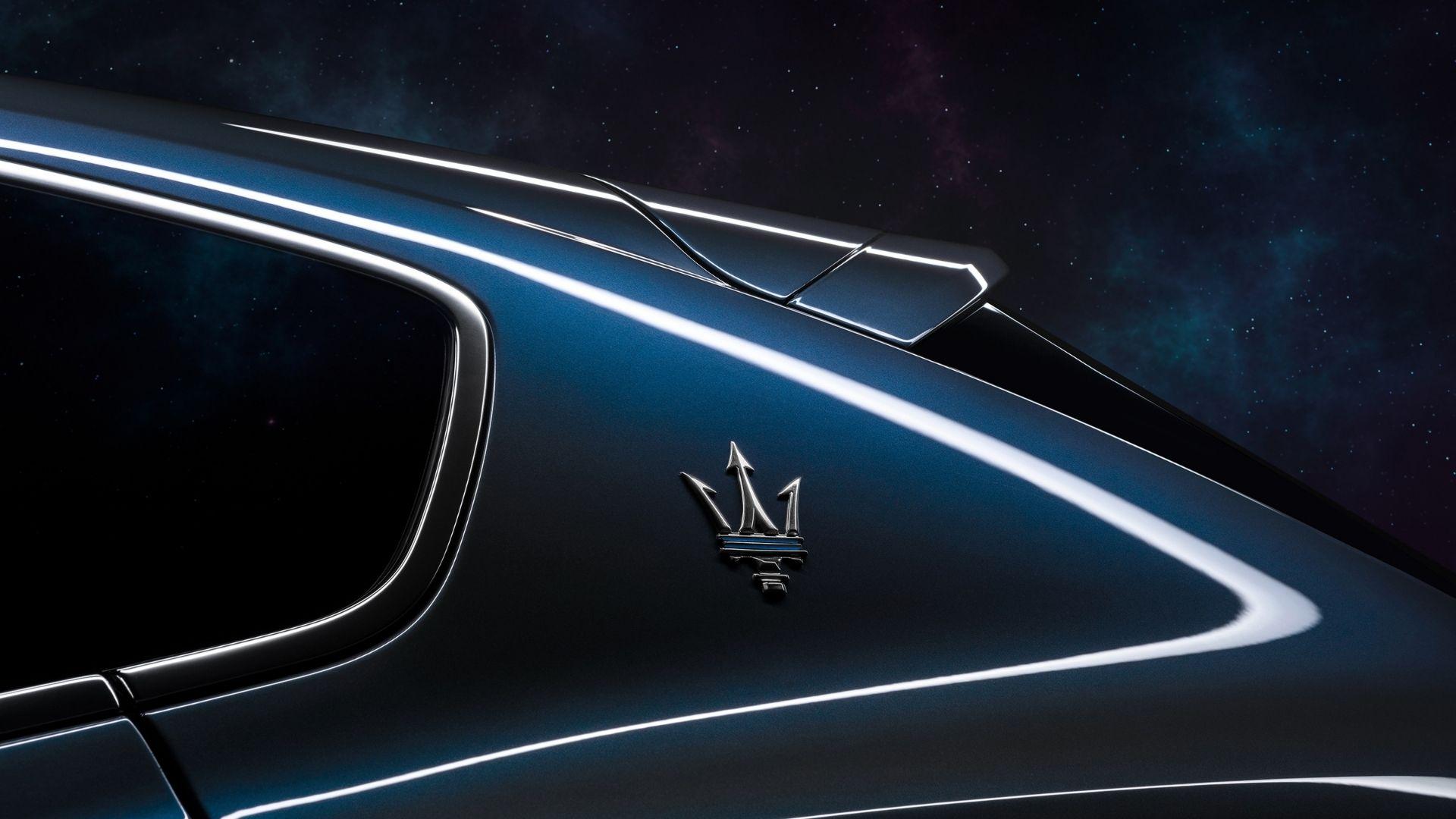 Maserati-tridente-montante