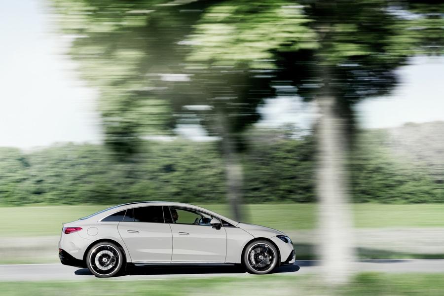 dimensioni di Mercedes EQE