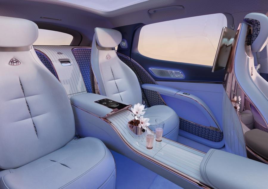 interni Mercedes-Maybach EQS Suv
