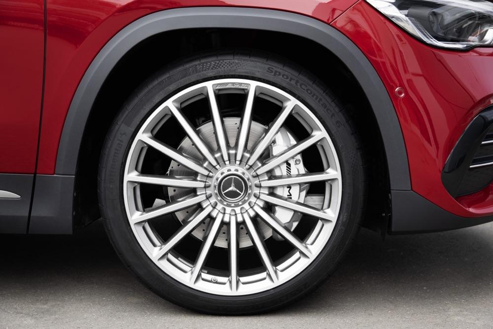 Cerchi di Mercedes-AMG GLA35