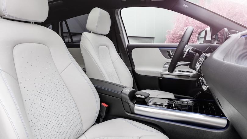 interni Mercedes EQA