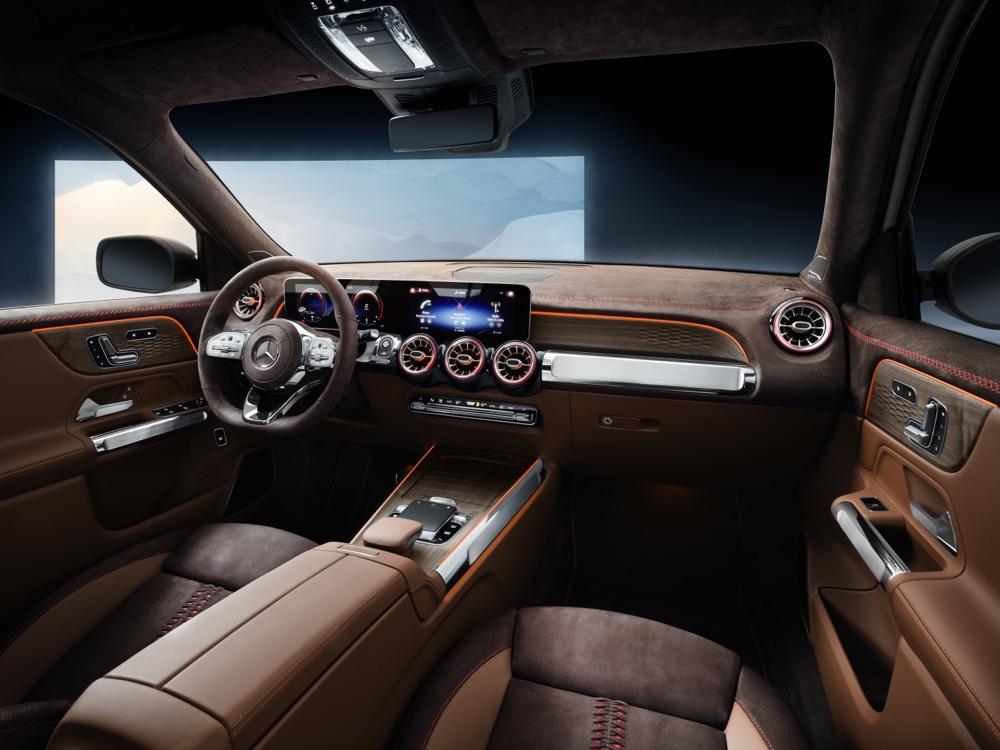Interni di Mercedes GLB Concept