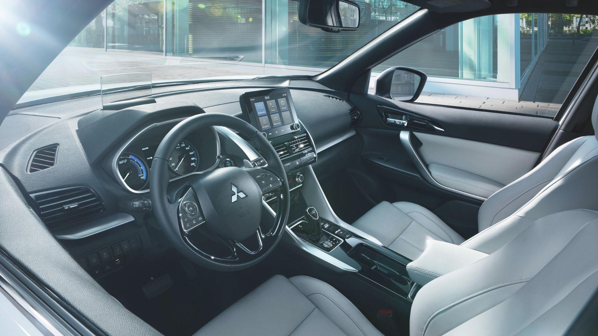 Mitsubishi-Eclipse-Cross-PHEV-interni
