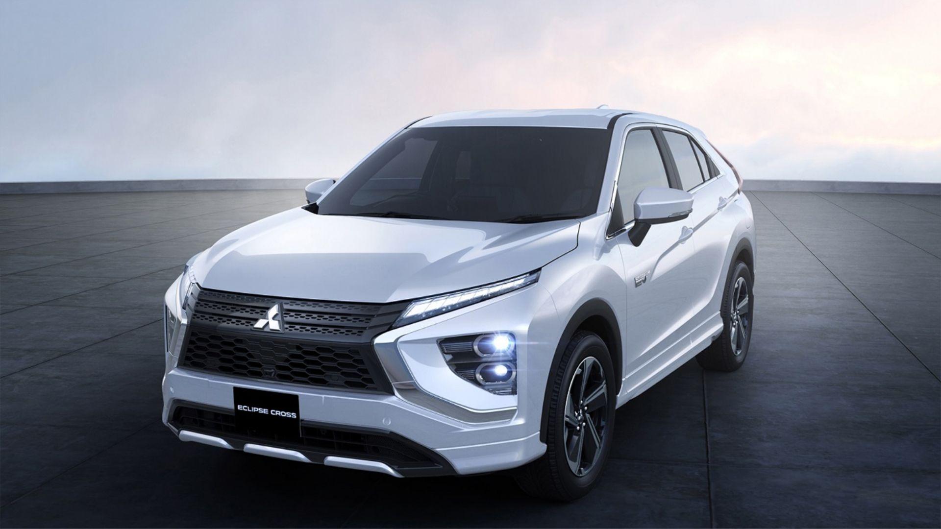 Mitsubishi-Eclipse-Cross-PHEV-white-diamond