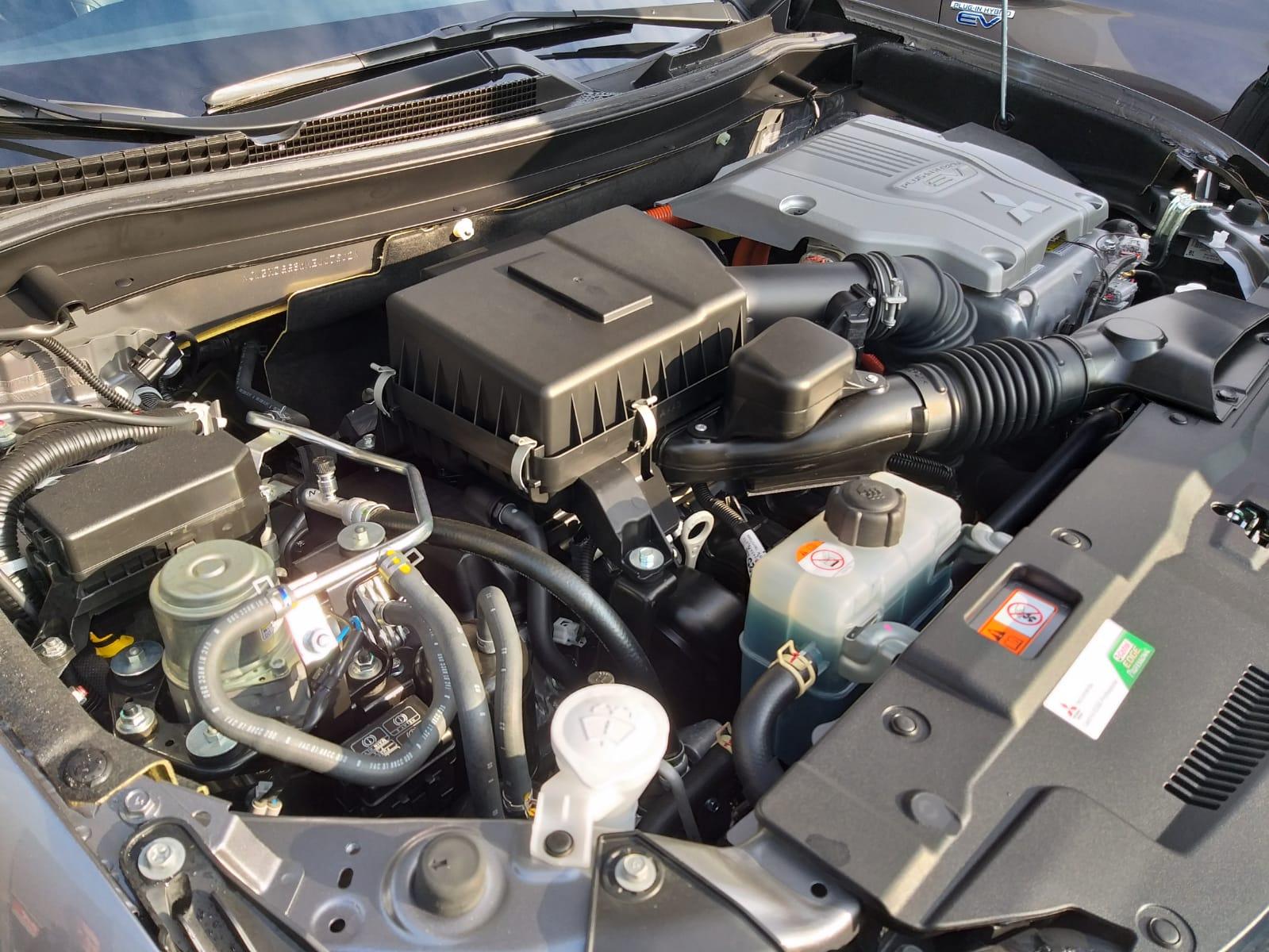 mitsubishi-outlander-phev-2019-motore-ibrido-plug-in