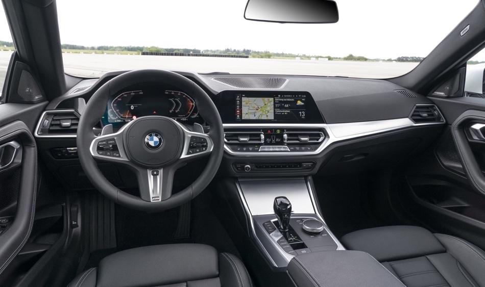 interni di Nuova BMW Serie 2 Coupe