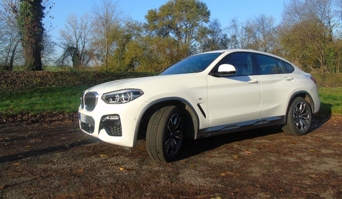 Nuova BMW X4 design