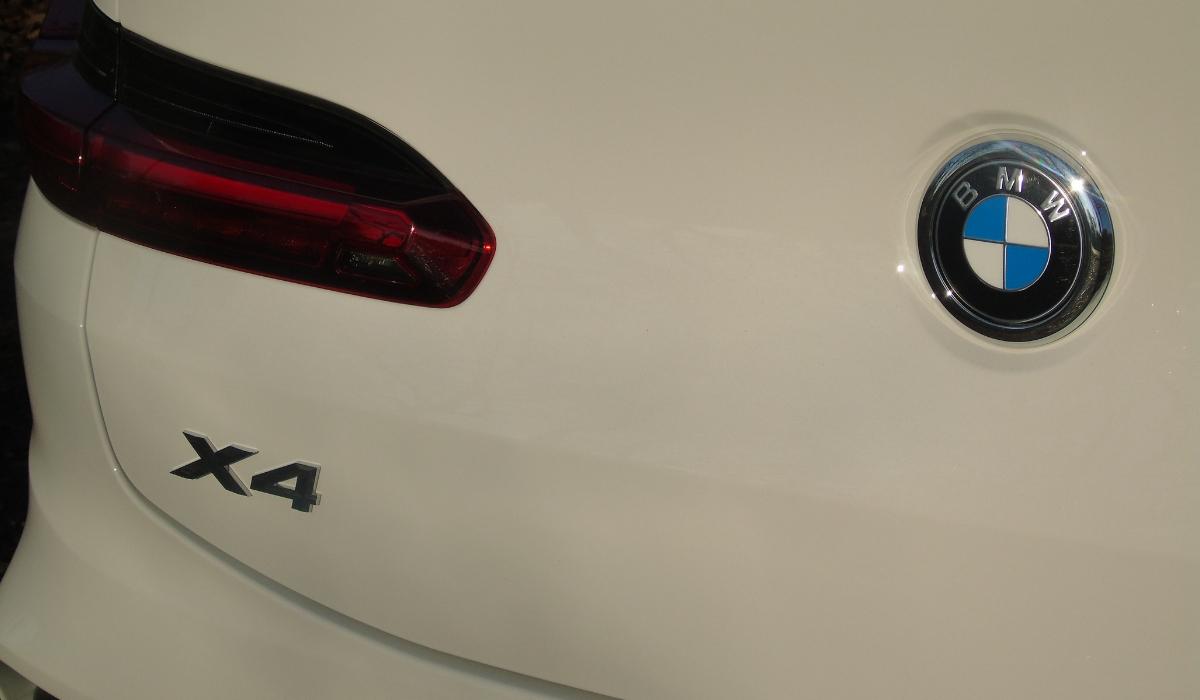 Nuova BMW X4 logo