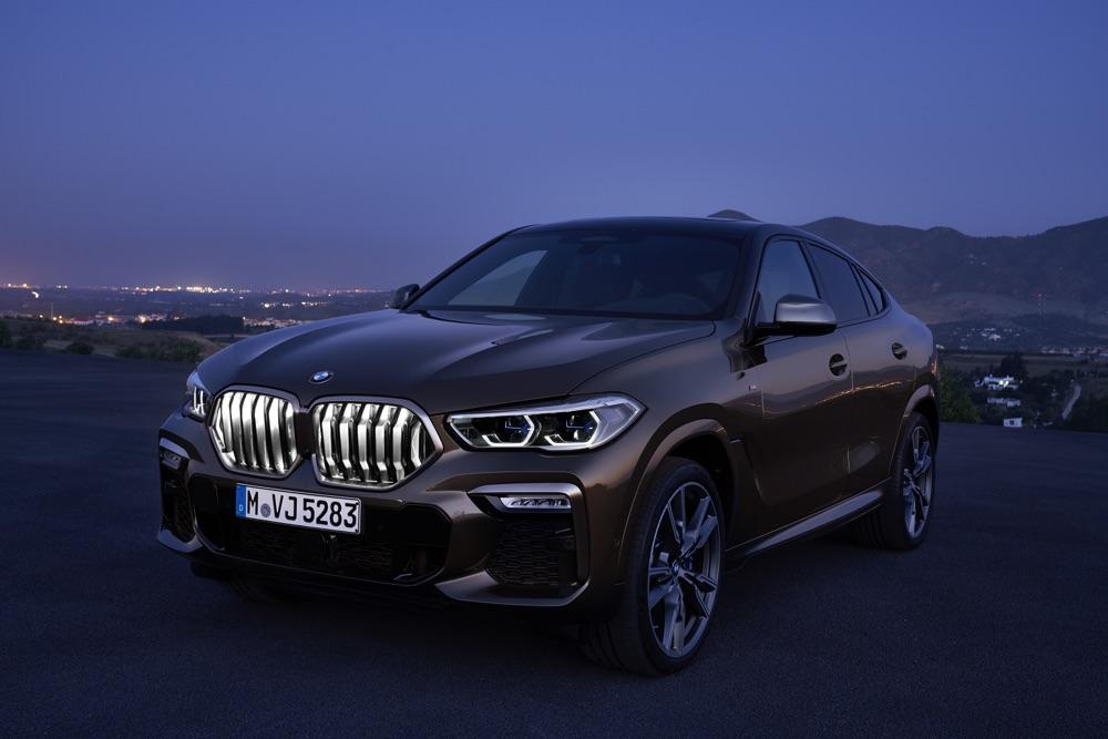 Calandra illuminata di Nuova BMW X6 2019