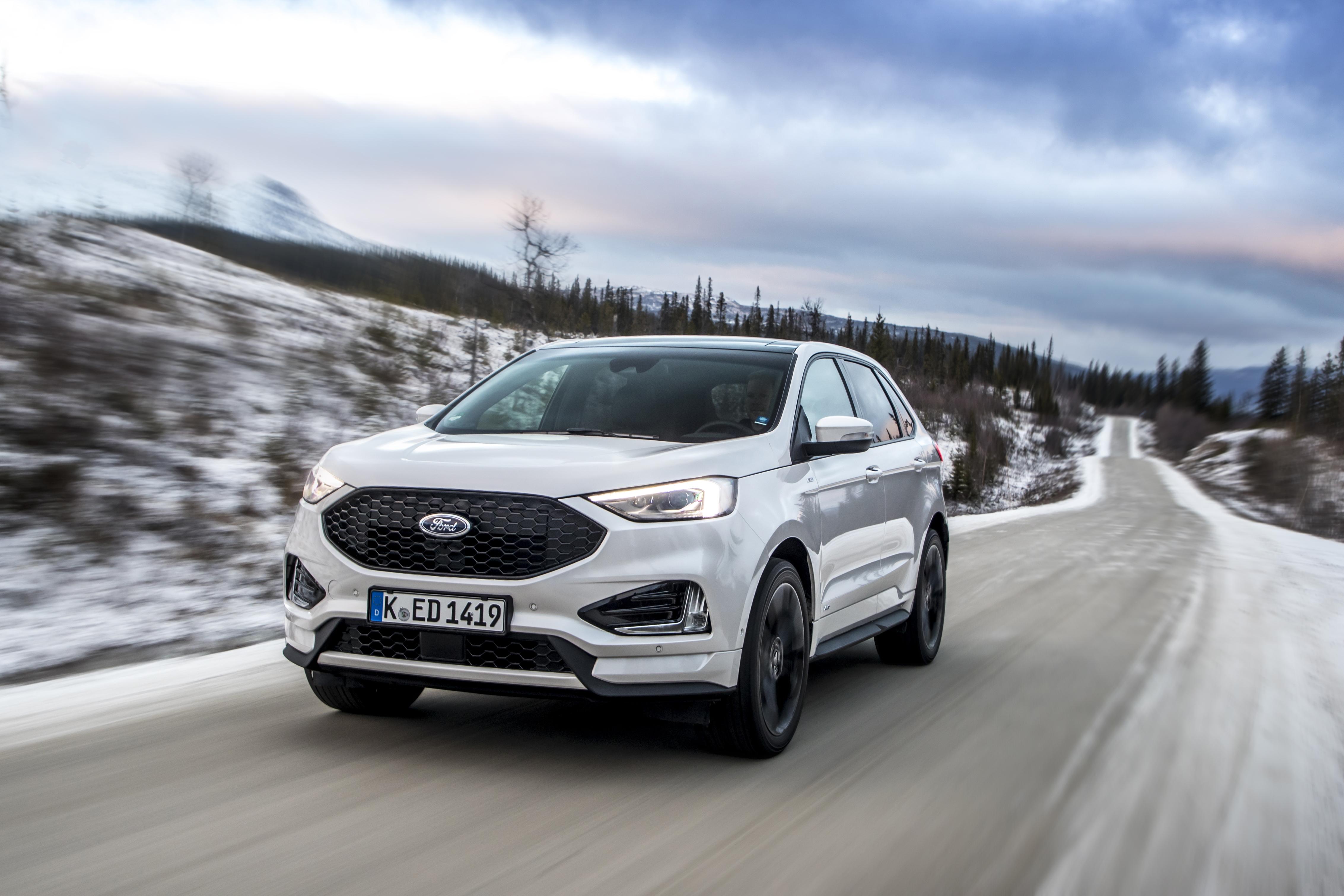 Nuova Ford Edge 2019 su strada