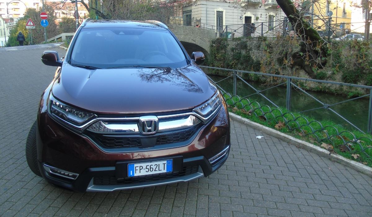 Nuova-Honda-CR-V-2019-frontale
