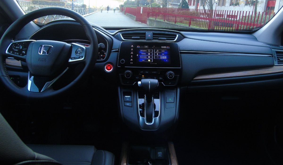 Nuova-Honda-CR-V-2019-plancia