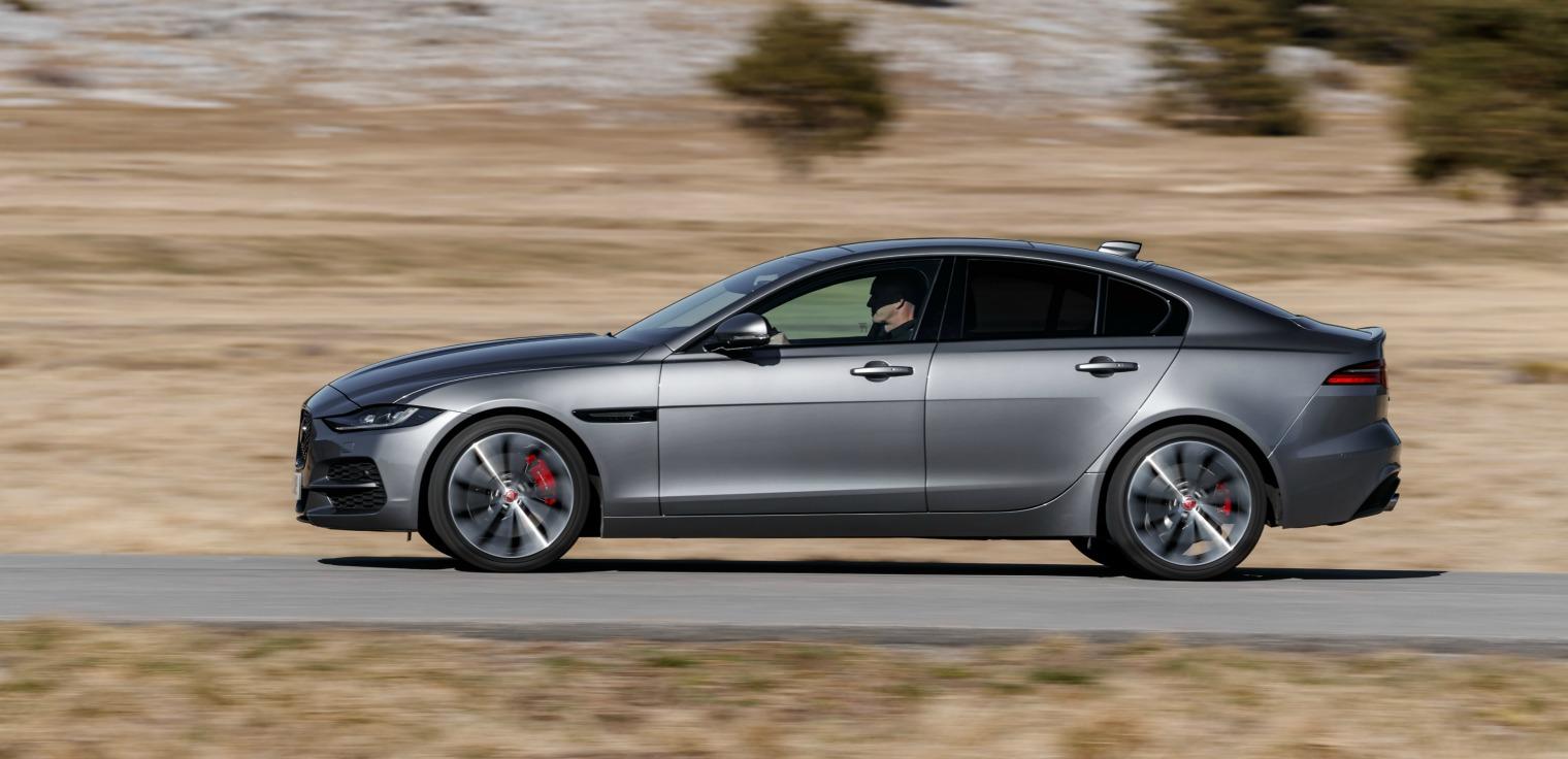 esterni nuova Jaguar XE