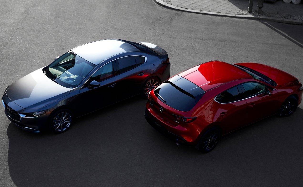 Mazda 3 berlina e tre volumi