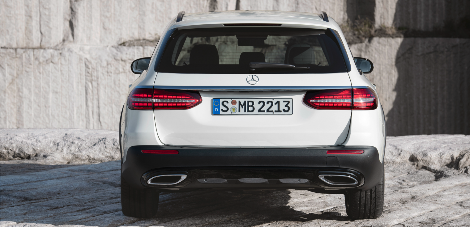 Retro nuova Mercedes Classe E SW