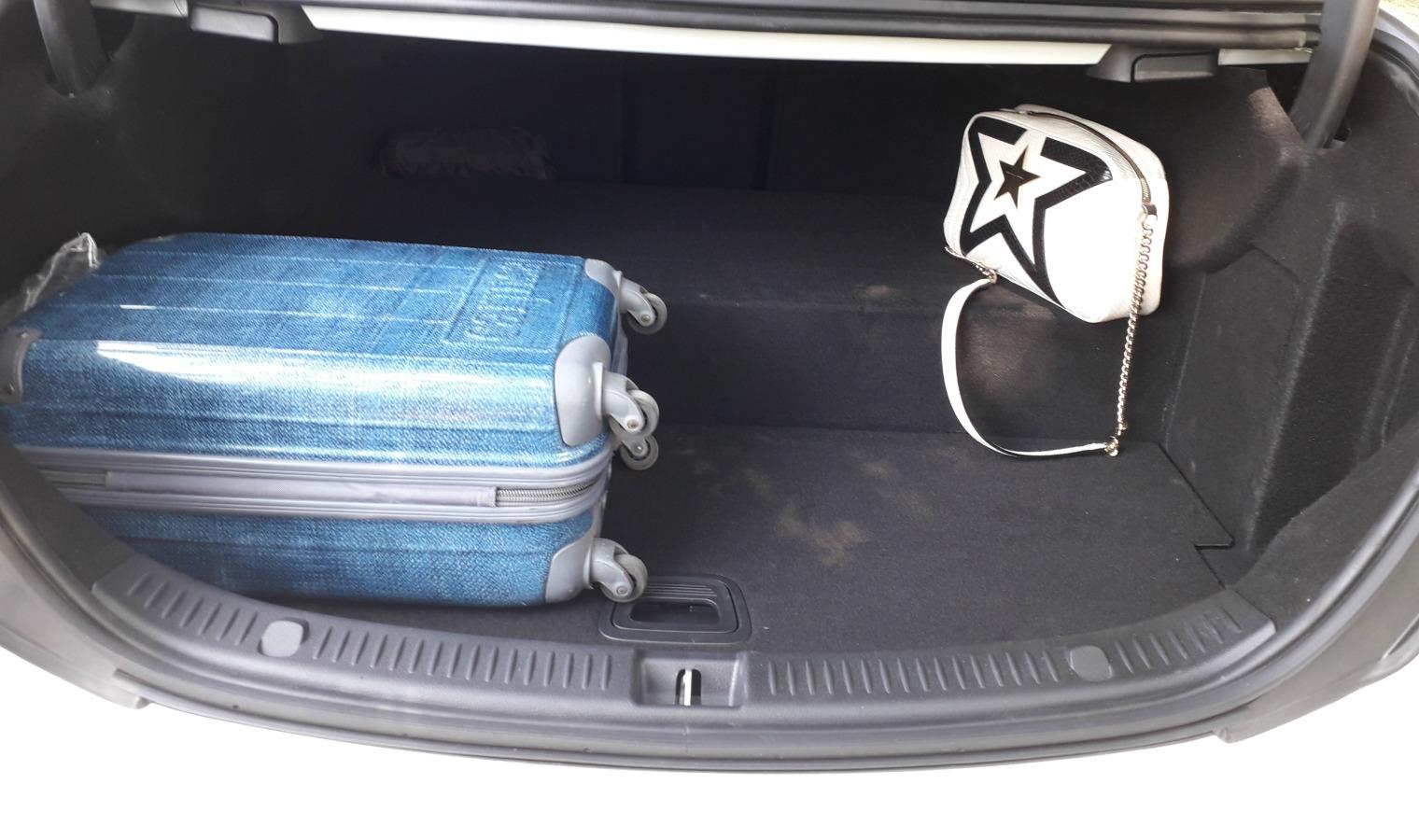 bagagliaio nuova Mercedes Classe E ibrida plug-in
