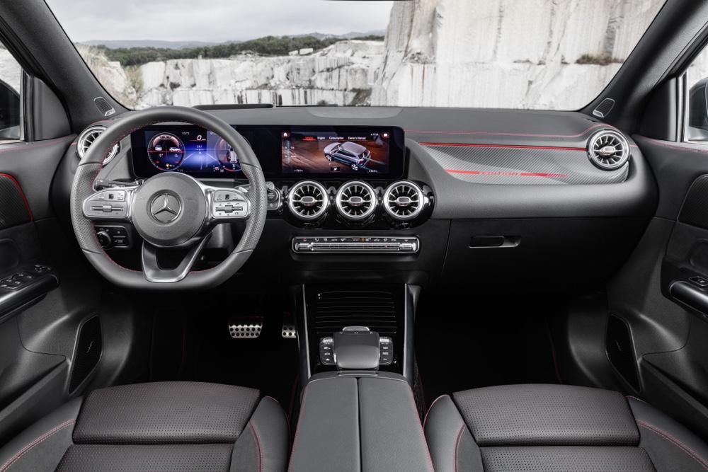 Abitacolo di Nuova Mercedes GLA