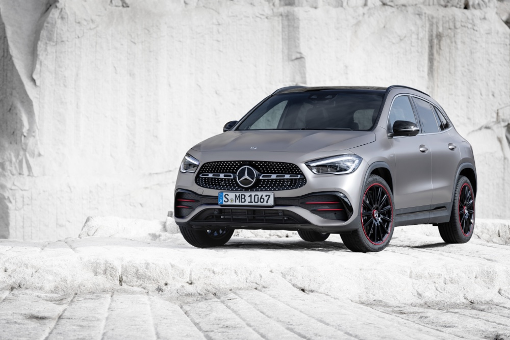 Nuova Mercedes GLA Car Wash