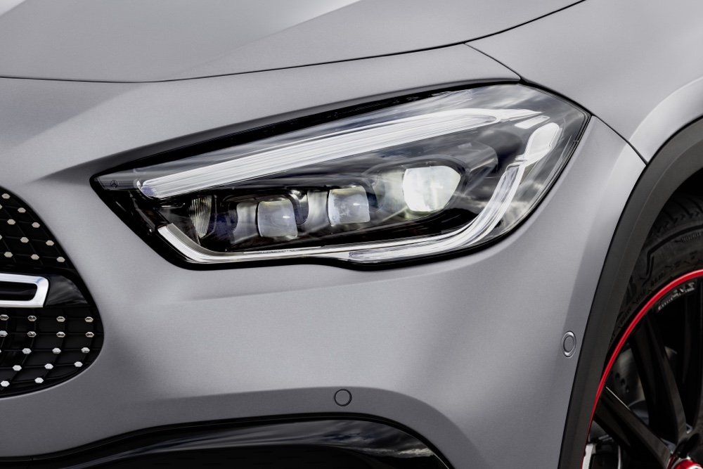 Nuova Mercedes GLA Multibeam Led