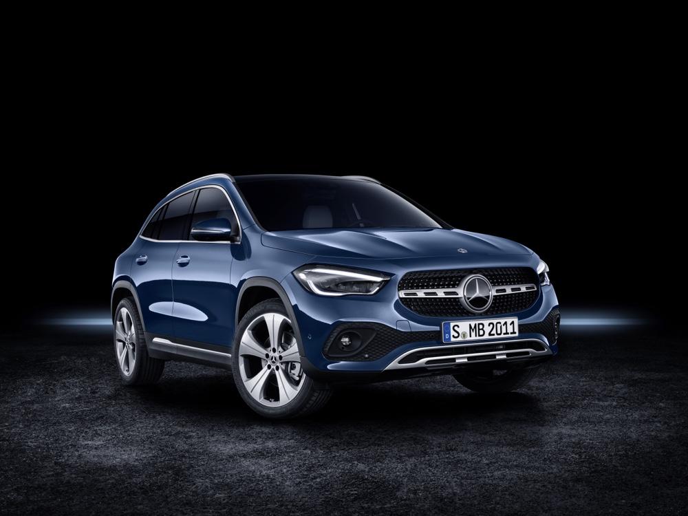 Nuova Mercedes GLA ibrida
