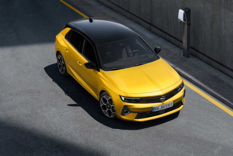 Nuova Opel Astra bicolore