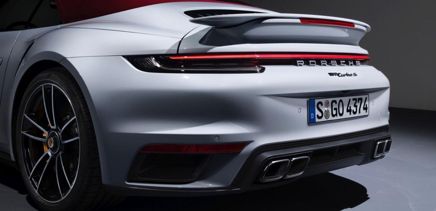 Nuova Porsche 911 Turbo S cabriolet posteriore