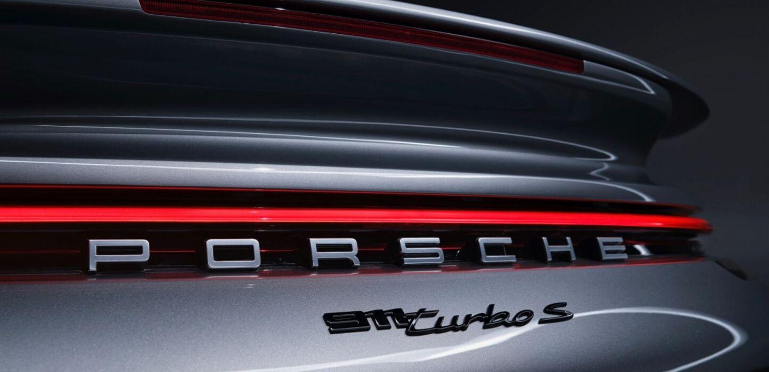 Nuova Porsche 911 Turbo S posteriore