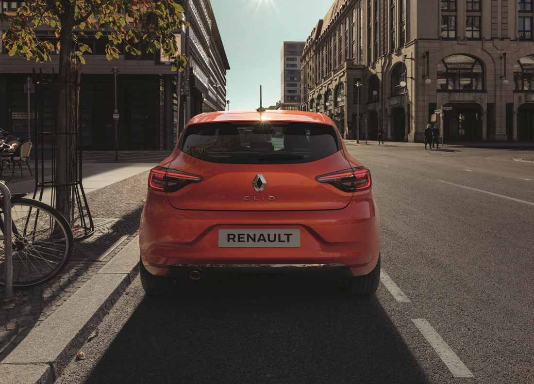 Renault Clio Valencia Orange