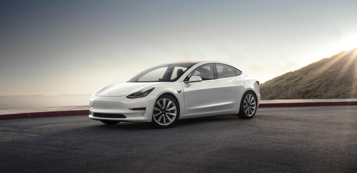 Nuova Tesla Model 3 statica