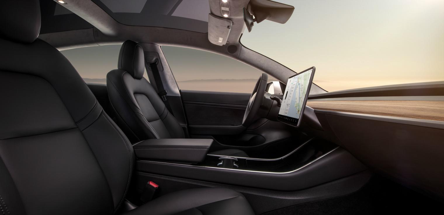 Interni nuova Tesla Model 3