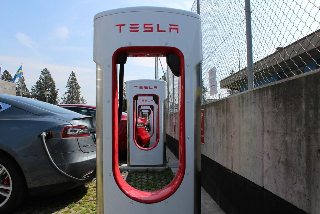 Ricarica nuova Tesla Model 3
