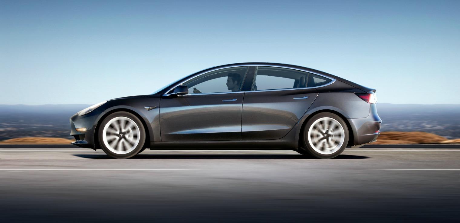 Sicurezza nuova Tesla Model 3